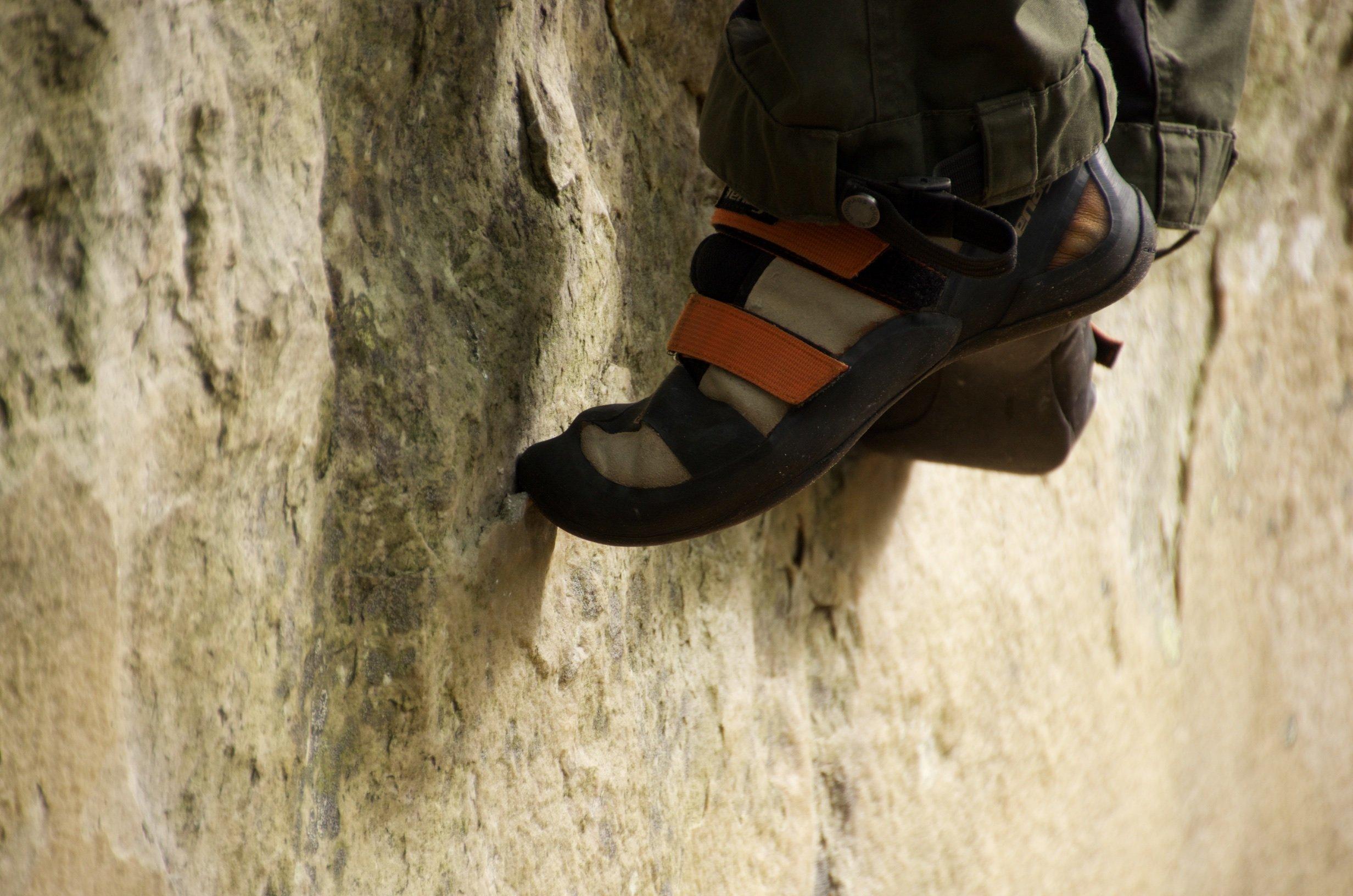 Ein Schuh an der Wand (Foto: Stefan)